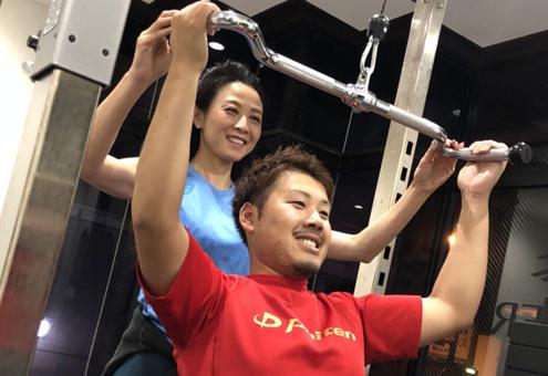 ジム室内トレーニング